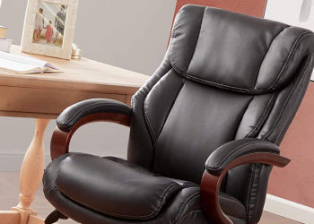 Best Office Chair for Short Heavy Person – Reviews of 2021
